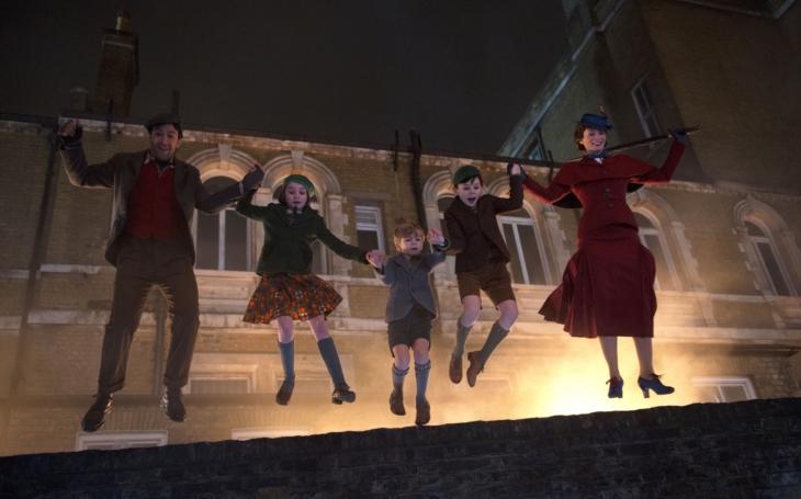 Mary Poppins se vrací po 54 letech, aby nám osvěžila české Vánoce pravým americkým štěstím. Premiéry Pavla Přeučila
