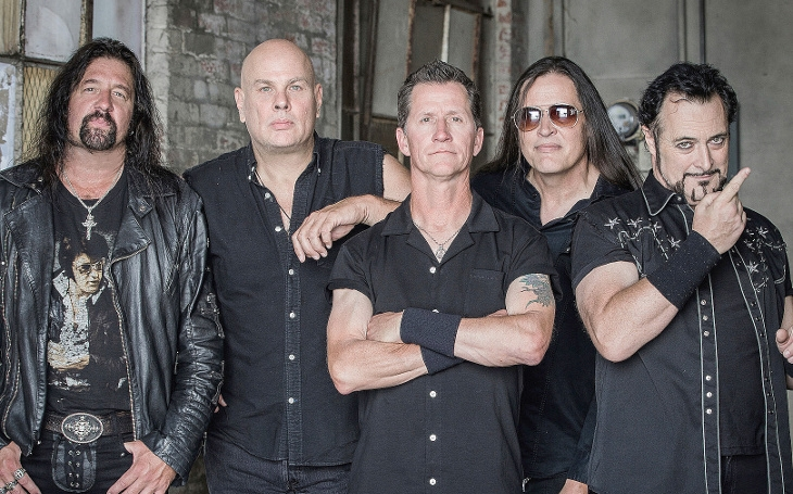 Američtí Metal Church a jejich 'prokletá' prosincová fošna Damned If You Do. (P)alba Thomase Landerse