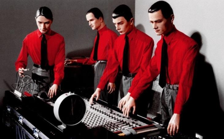 Düsseldorfská Elektrárna a čtyři dekády robot popu. (P)alba Thomase Landerse