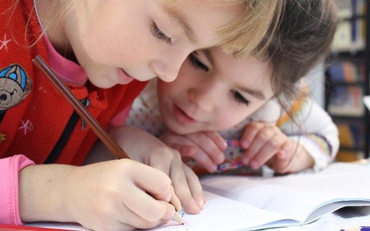 Jak vyřešit problém školství a zároveň ušetřit na výdajích. Komentář Štěpána Chába