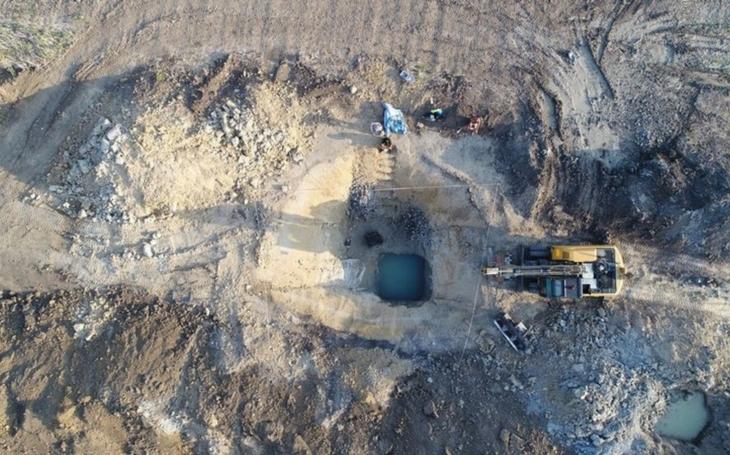 Archeologický výzkum pod budoucí dálnicí přinesl řadu svědectví z doby kamenné i bronzové