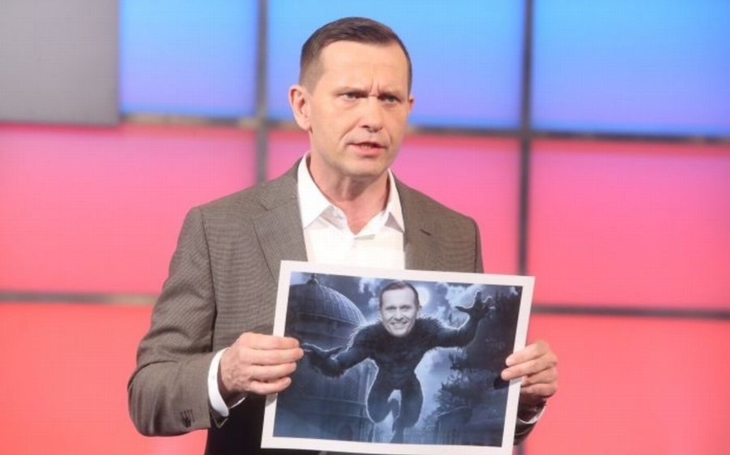 Vypukla válka mezi ČT a česko-čínskou televizí. Kvůli blbovi, kreténovi a dluhům