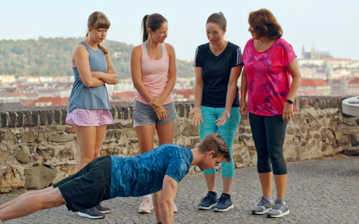 Ženy v běhu se vydávají na maraton za štěstím a divák se fakt baví. Premiéry Pavla Přeučila