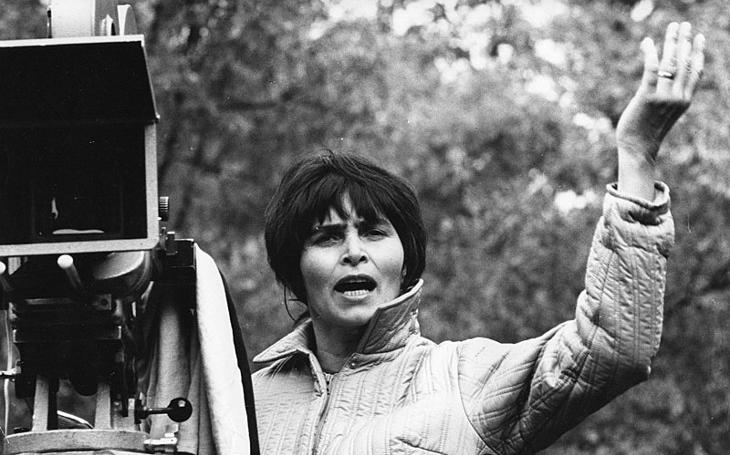 Skvělá vzpomínka na první dámu českého filmu. Jak si podala Krause, ať nechodí do bordelů. Tajnosti slavných