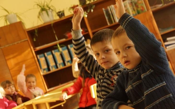 Opravené školky a nemocnice. Kraj pokračuje v pomoci na Podkarpatské Rusi, která započala před šesti lety