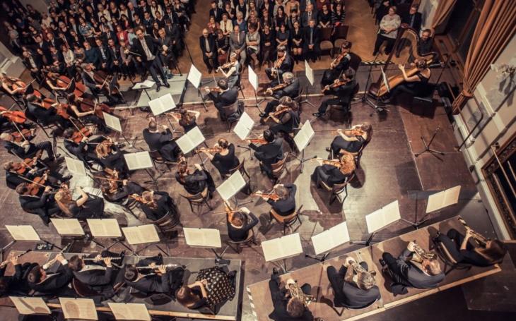 Rok od roku pestřejší, rok od roku prestižnější. Smetanovské dny zahájí Plzeňská filharmonie s americkou sopranistkou Sophií Burgos