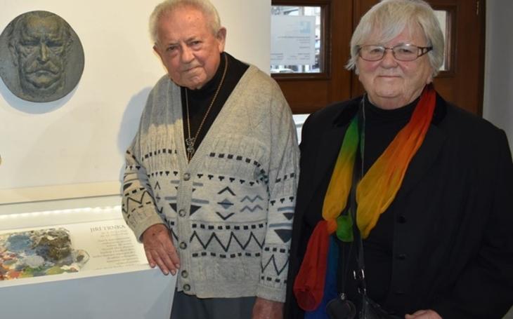 Pyšní se Trnkovou originální paletou, nalezenou v hromadě suti v roce 1969. Plzeň si připomíná 50 let od úmrtí slavného rodáka