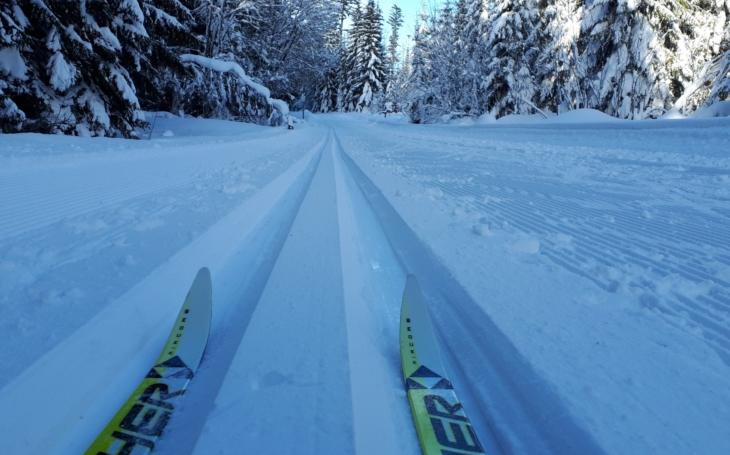 Rakušané jsou horší než Češi a Němci, řekl nám mluvčí NP Šumava, kde je stále dva metry sněhu a skialpinisté řádí. Leckdy ale porušují zákon
