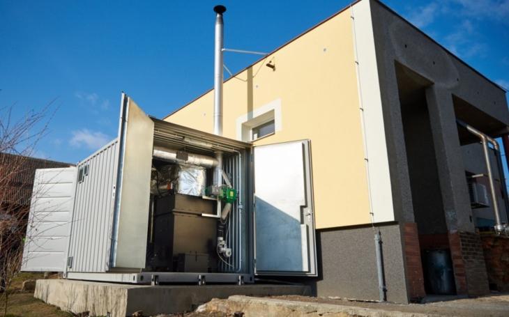 Mít takhle doma mikroelektrárnu, nezávislou na distribuci a jejích cenách. Sci-fi? Ne, v Mikolajicích už stojí, topí a svítí