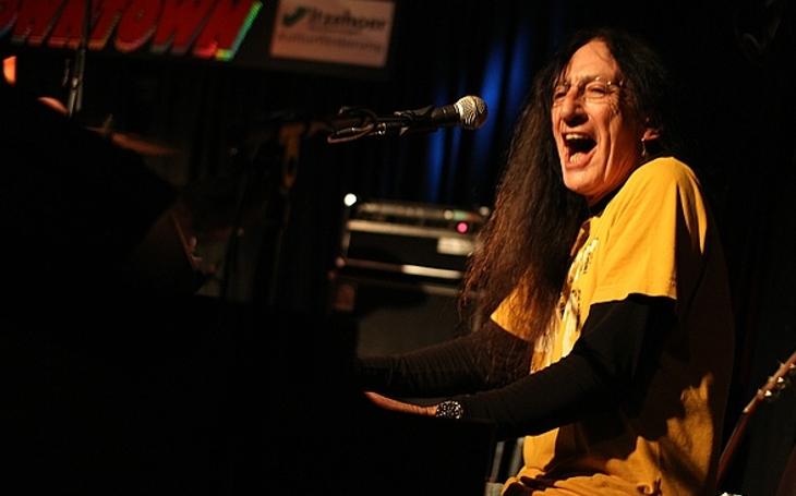 Legendární Ken Hensley s hity Uriah Heep již za měsíc v brněnském Sono Centru. (P)alba Thomase Landerse