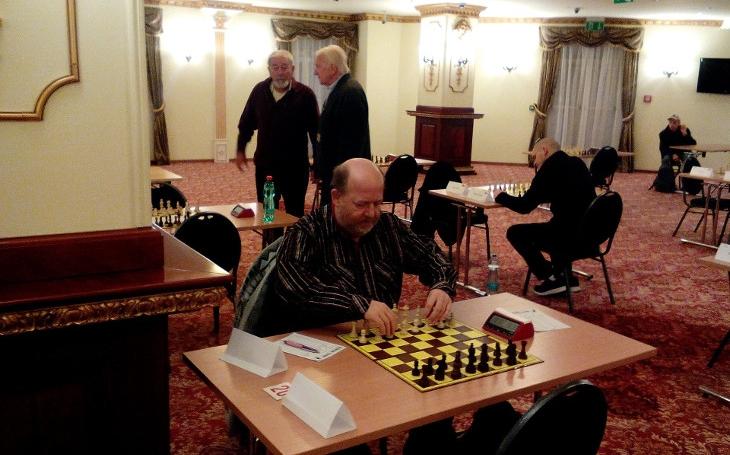 O remízy moc nestojíme, říká Pavel Kirs, pořadatel Teplice Open. A přidal i své zážitky s velmistry a hrobem Bobbyho Fischera
