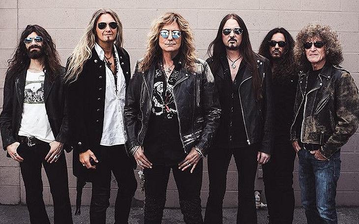 Nestoři hard rocku Whitesnake mají na novince i po více než čtyřech dekádách ´maso a krev´. (P)alba Thomase Landerse