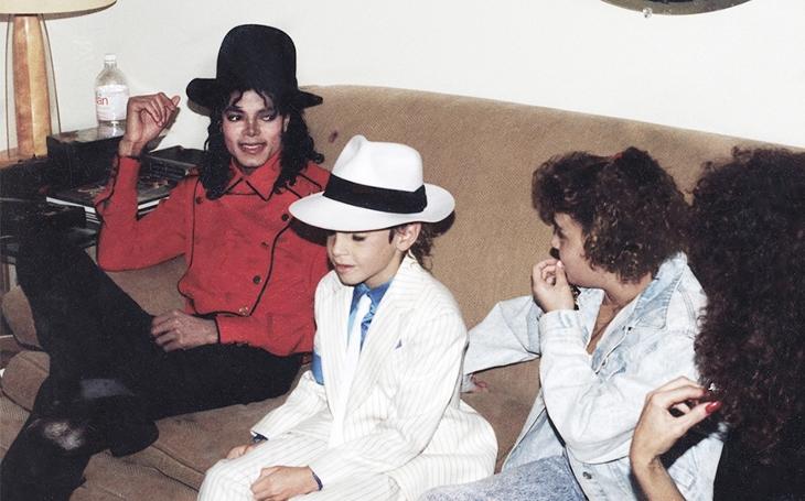 Michael Jackson jako mediální král pedofilů. Přečetli jsme