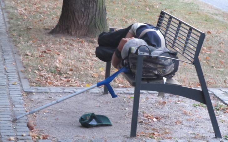 Dostal padáka v práci i od manželky a skončil na ulici. Z domova bez domova. Svět Tomáše Koloce
