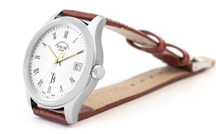 Oficiální absolventské hodinky Karlovy univerzity