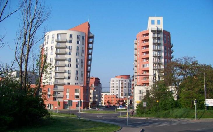 Magistrát podpořil výstavbu družstevního bydlení. Výborné, ale… Komentář Štěpána Chába