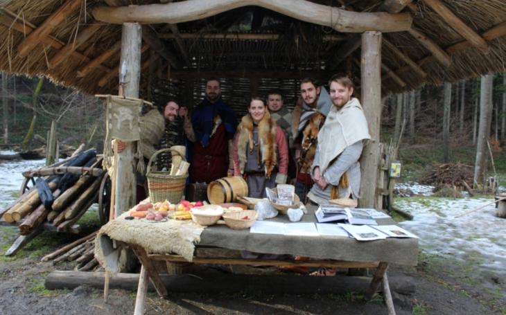 Unikátní muzeum pod širým nebem - osada Křivolík. Může se stát populární filmovou lokalitou