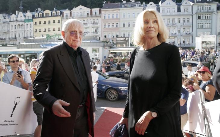 Jiří Suchý představil na MFF Kdyby tisíc klarinetů a pak se zde víc než padesát let neukázal. Teď se dočkal bouřlivého aplausu