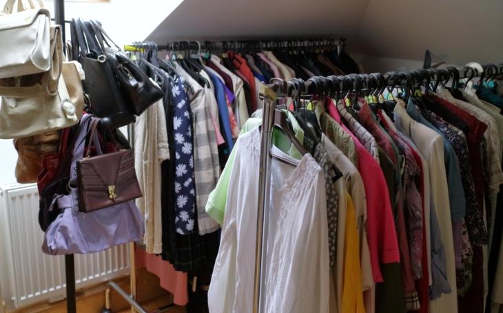 Freeshop v KC Prádelna nabízí nákupy ´zdarma´ a podporuje tak udržitelný životní styl. Komunitní projekt, který stojí zato
