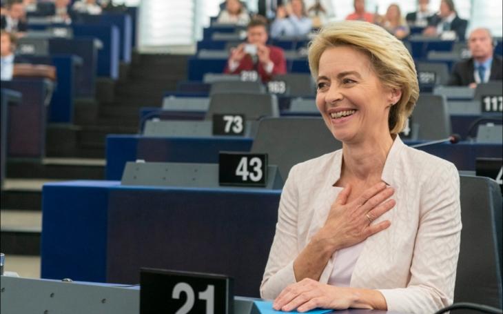 EU se plíživě mění v Evropské státy socialistické. Pomáhají tomu i Češi. Doleva s Ursulou