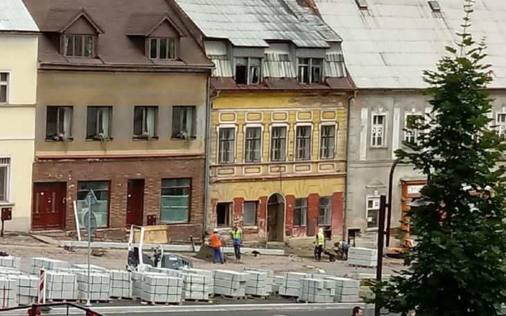 Zahraniční turisty čeká při návštěvě ČR šok. Zničené, neudržované a depresivní prostředí. Budeme mít z ostudy kabát?