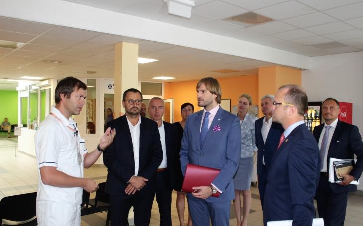Veská by mohla být pilotním projektem státu pro financování zdravotní péče... Ministr Vojtěch navštívil Pardubicko
