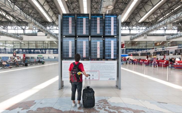 Za zpoždění letadla můžete dostat dost peněz. Problém můžete vyřešit hned na letišti; jak? Dovolená 2019 IV