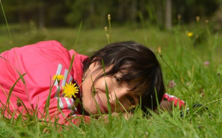 Děti cítí vinu za rozvod rodičů… Herečka nechce, aby to potkalo i její adoptivní dcerku. Přečetli jsme