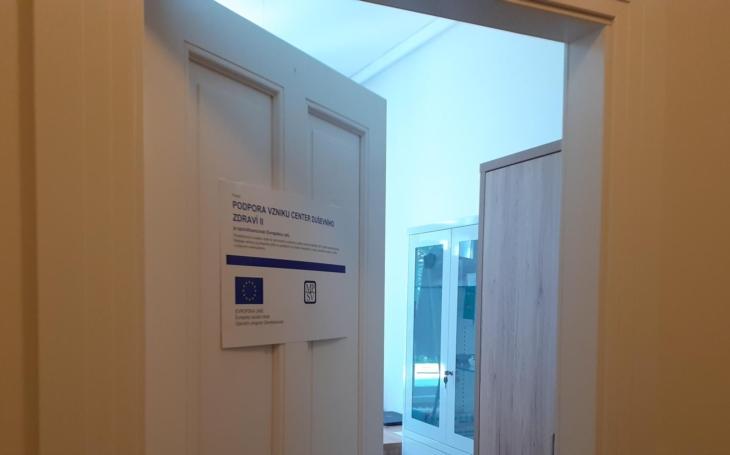 Centrum duševního zdraví, nově v Hradci. Pětina Čechů blázní, chybí psychiatři, lůžka i peníze. Ministr spustil reformu, ale…