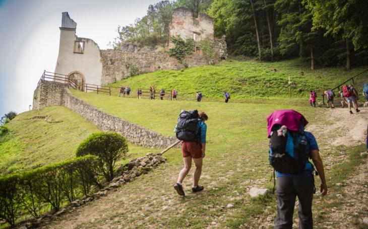 Za rodiny, církev, Evropu, mír a příhodné počasí. Není to sice pouť do Santiaga, ale i ze slovenské Skalky na Velehrad to vydá 86 kilometrů