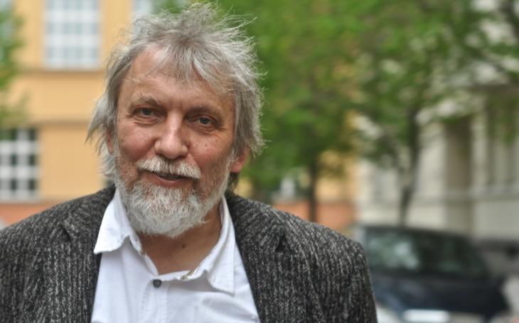 Překladatel je spoluautor, musí udržet jakýsi ´celkový pocit´ z díla, ale vkládá i sebe, říká Ladislav Šenkyřík