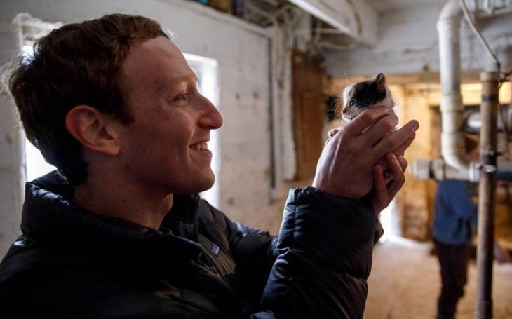 Skupuje nemovitosti a nemá rád sousedy. Jak si Pan Facebook užívá své miliardy. Sobota Pavla Přeučila