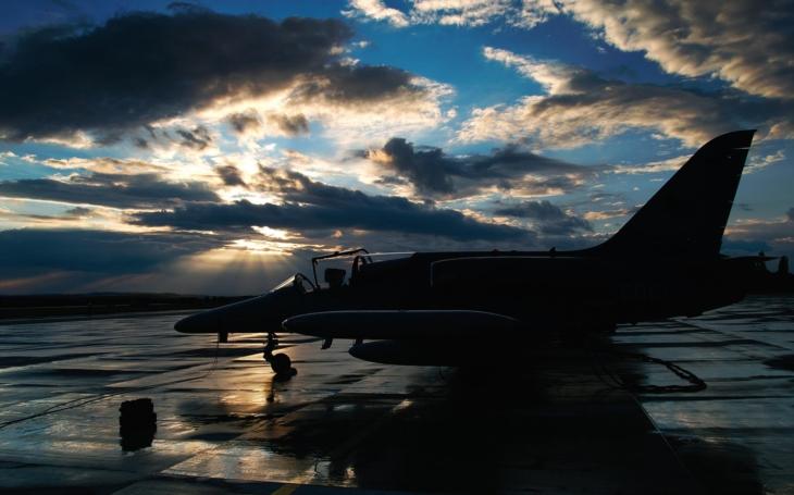 Premiéra nového českého letounu i společné vystoupení elity, stíhače a akrobata, kde figuruje i gripen… Dny NATO v Ostravě