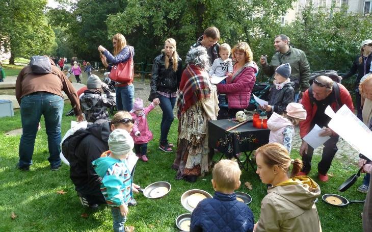 Vyrazte s dětmi na velký Pohádkový les v Zahradě Kinských první říjnovou sobotu, budete se dobře bavit