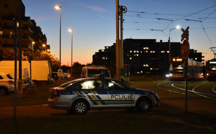 Elitní policejní důstojník kryl bankovní podvody za 8 miliard. Jeden z největších skandálů od vzniku samostatné ČR, podzim roku 2000... Reportér vzpomíná