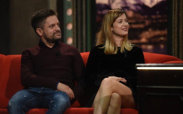 Nahota před kamerou? Tak to prr, to radši roli strhané manželky. Jiří Mádl a Marika Šoposká o novém filmu...