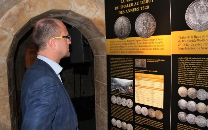 Úspěch numizmatické výstavy Východočeského muzea si v Paříži vyžádal její pokračovaní