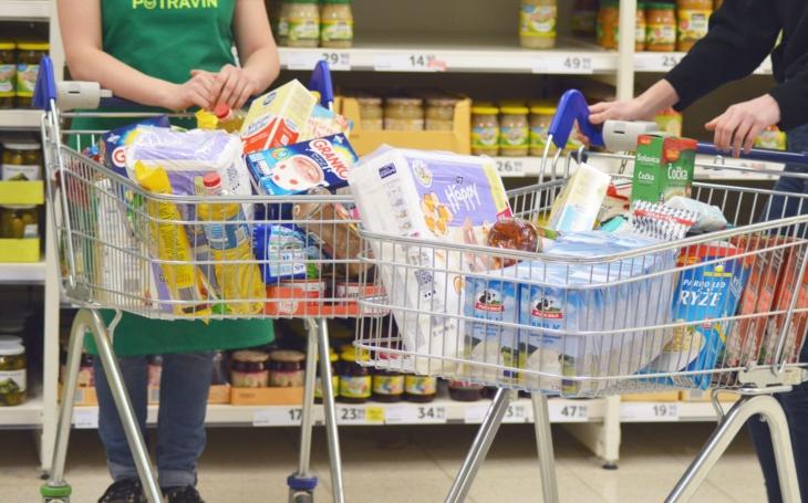 Bez celebrit, nikomu ale nechybí. V sobotu vypukne v supermarketech podzimní Sbírka potravin. Jsou tu totiž děti, které si mohou na dobrou snídani jen hrát