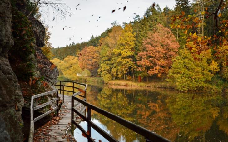 Odložil mačetu a uvázal kravatu… Stezka údolím Lužnice se dostala na prestižní evropský turistický seznam