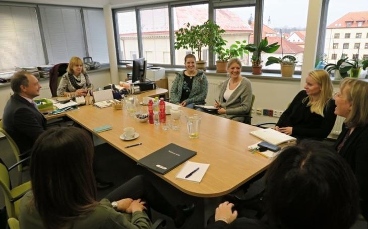 Německé sociální pracovnice zaujaly příklady dobré praxe z organizací Pardubického kraje