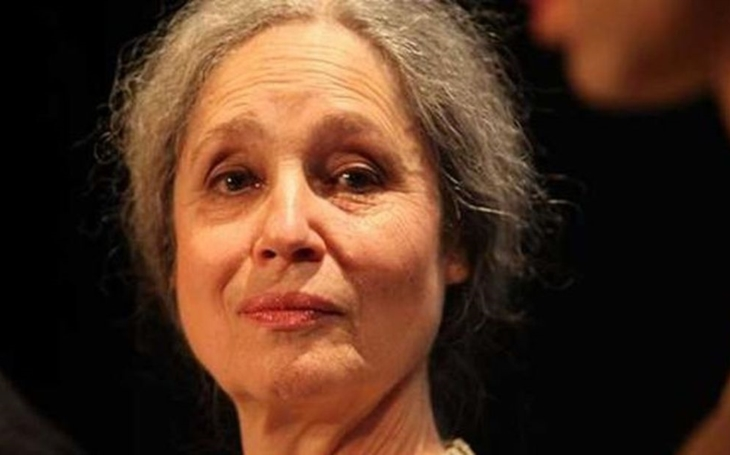 O Vánocích zemřela krásná, křehká, nesmírně statečná herečka. Radovala se ze svého postiženého syna, zato svět ji trápil