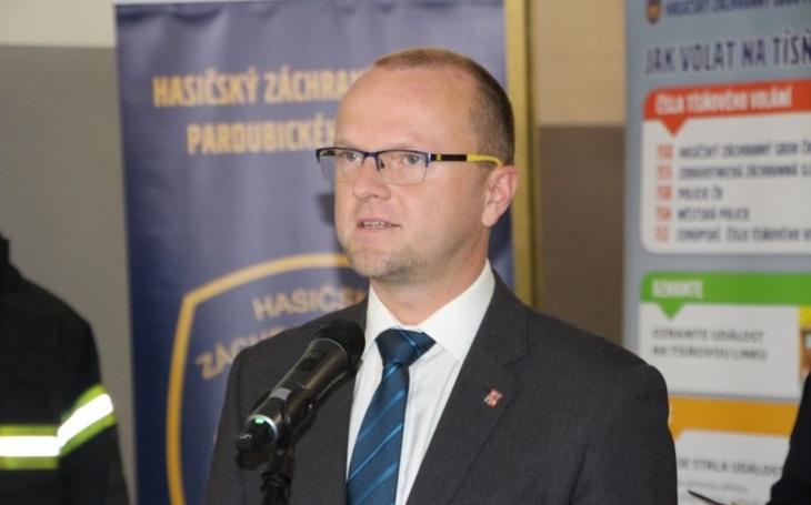 Městský obvod Pardubice I, Hostovice a Rosice. Dobrovolní hasiči Pardubicka mají tři nové dopravní automobily