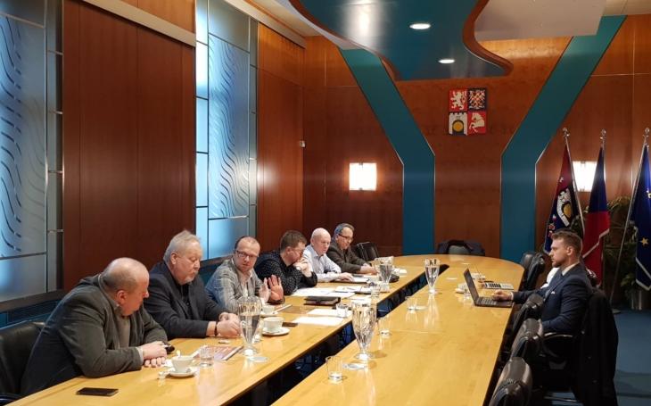 Hejtman Netolický: Pokud nebude Leo Express 16. ledna plnit smlouvu, upozorníme na možnost jejího vypovězení