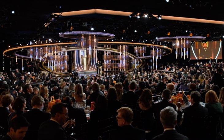Moderátor doporučil přítomným celebritám, aby se svými politickými proklamacemi táhly rovnou do zadele. Premiéry Pavla Přeučila