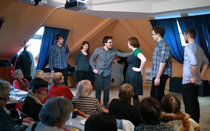 Nové volnočasové aktivity pro mládež v Komunitním centru Prádelna