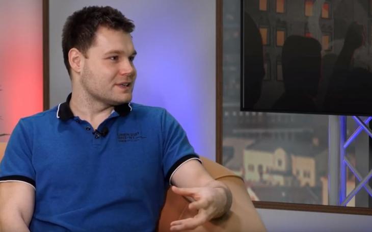 RECENZE Jakub Trpiš ve svých třiatřiceti stvořil opus. Revoluce je jiná téměř ve všech směrech