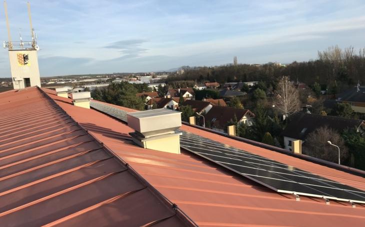 Chytré. Stovka fotovoltaických panelů pro Prostějov. Město si vyrábí vlastní ekologickou elektřinu. Ta totiž stále zdražuje