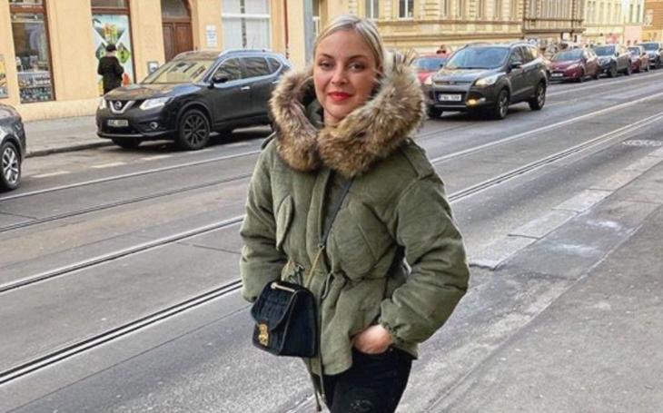 Byla jsem oteklá prý z alkoholu nebo botoxu, vypadala jako příšera… Markéta Konvičková už je nejhoršího venku. VIP skandály a aférky