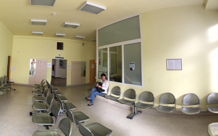 Nemocnice na okraji Libně a její očistec. A jedna výzva: Dominátore, vrať se k ledu! Co zaujalo Jiřího Macků