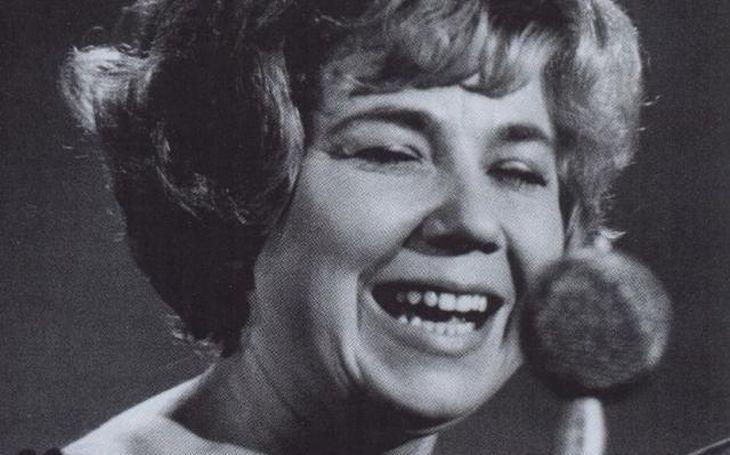 Celý život bojovala se zákazy. Když pak konečně mohla začít zpívat, ztratila dokonce hlas. Tajnosti slavných